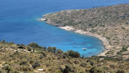 Agathonissi Adası