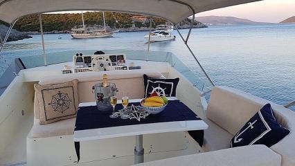 Motor yat Aegean Angel