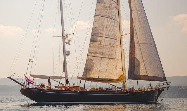 Neo-Klasik Yelkenli Yatlar